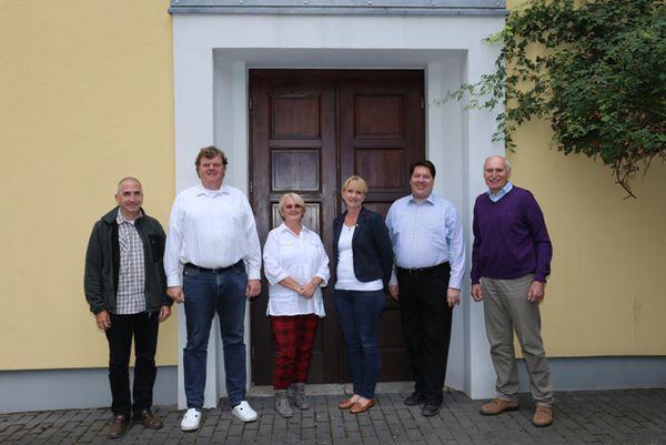 von links nach rechts: Alfred Zschau, Michael Kettling ,Anna Kettling, Birgit Geier,Michael Kuzcera,(Sprecher der Cursillo-Bewegung) Anton Wölfl
